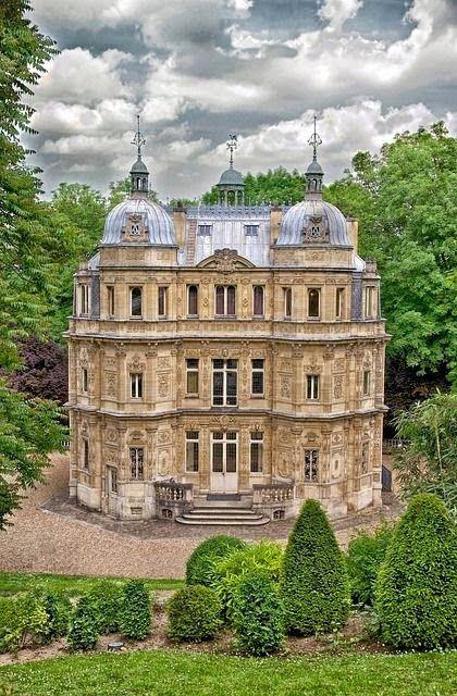 Yvelines Castle