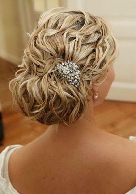 Vintage wedding hairstyle , low textured bun hairstyle- Lonneke van Dijk Fashion Hairstylist