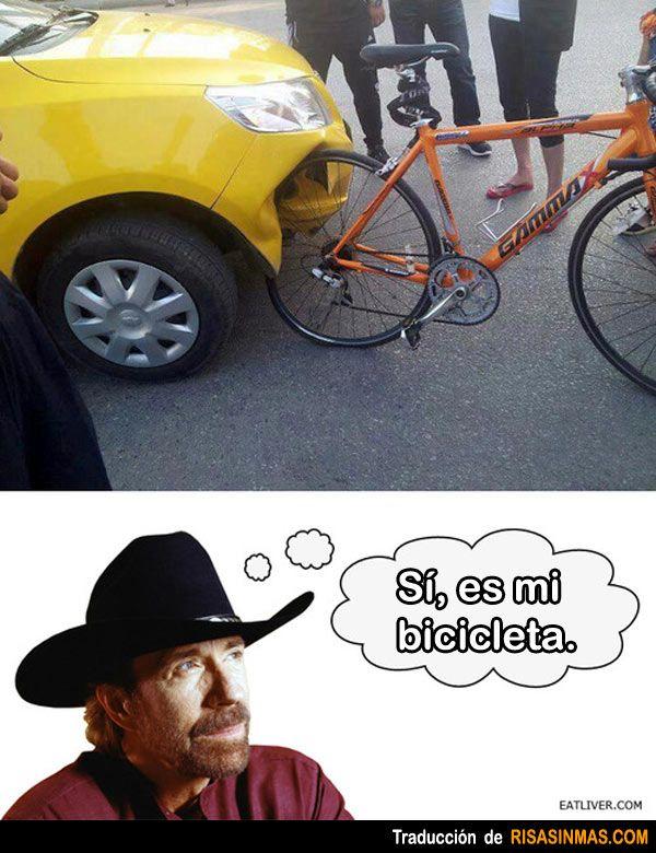 Accidente con la bicicleta de Chuck Norris.