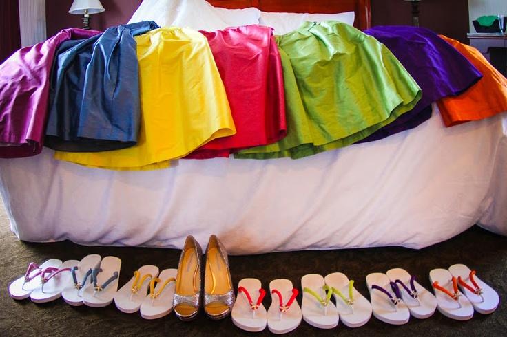 Multi-coloured Bridesmaid Dresses - and flipflops! Perfect!