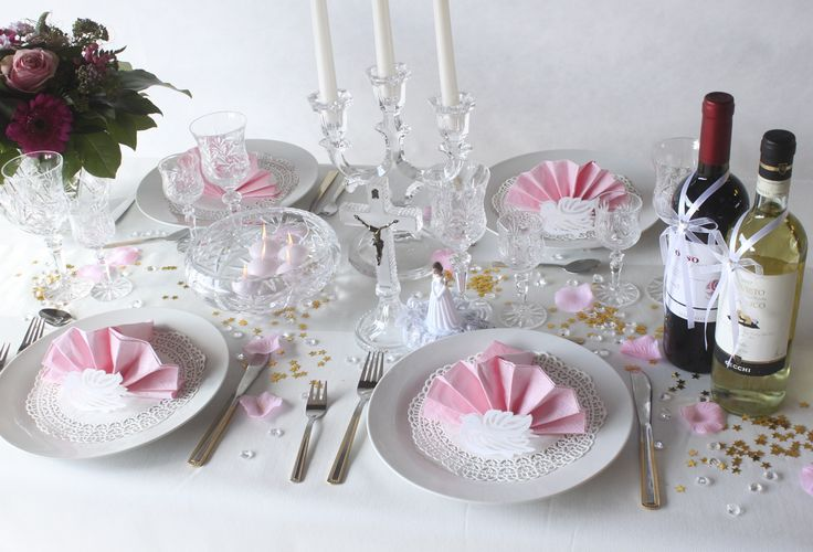 White and pink table settings