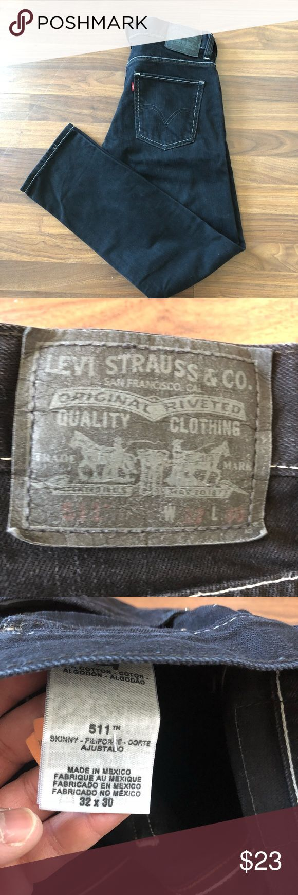 Men's size 32x30 levi 511 skinny jeans Men's size 32x30 levi 511 skinny jeans. These jeans are very nice and good condition. Black with white trimming as shown in picture Levi's Jeans Skinny