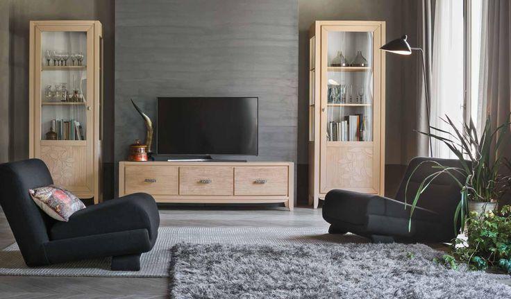 parete soggiorno #legno # ante intarsiate