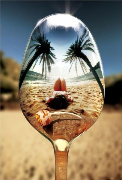 Chupa Chups y playa, la definición de perfección.
