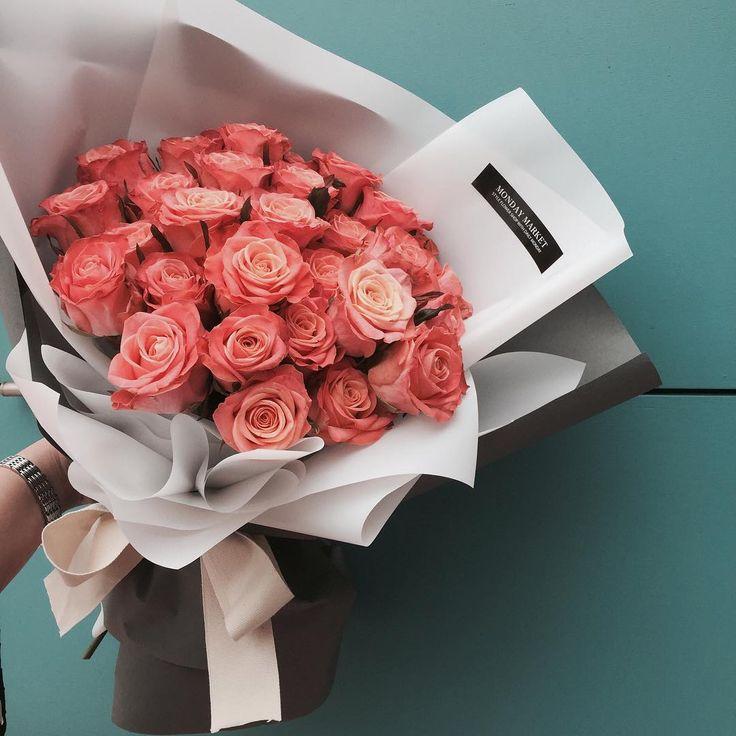 Bunch of flowers --> Flowers Pinterest: @FlorrieMorrie00 Instagram: @flxxr_