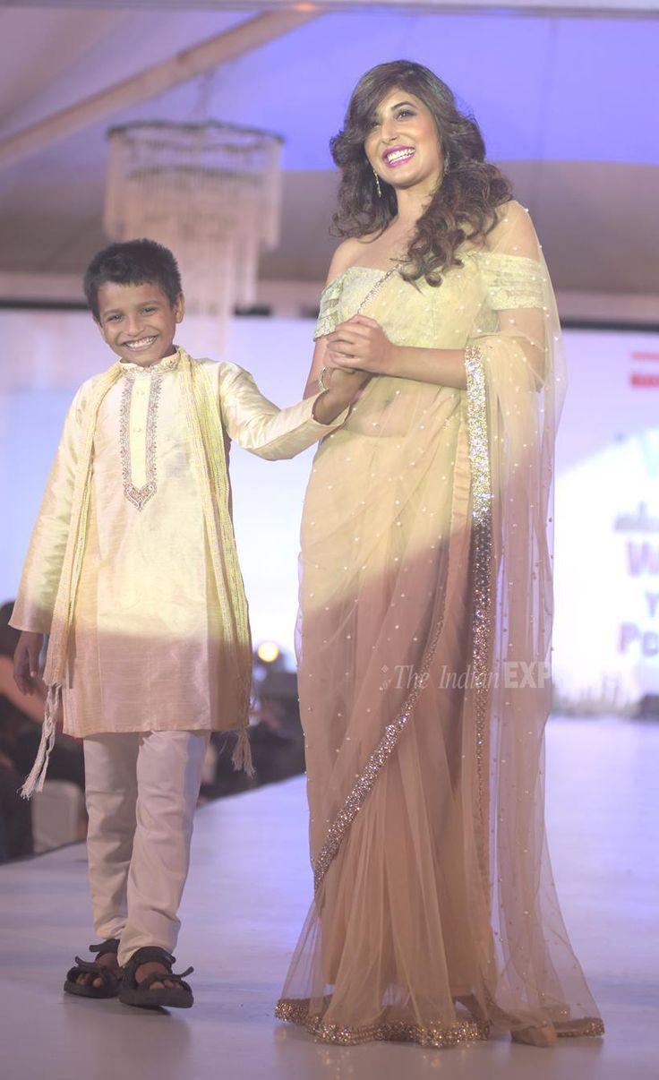 Kritika Kamra at a 26/11 Mumbai Terror Attacks tribute show. #Bollywood #Fashion #Style #Beauty #Hot #Sexy #Desi #Saree #Punjabi