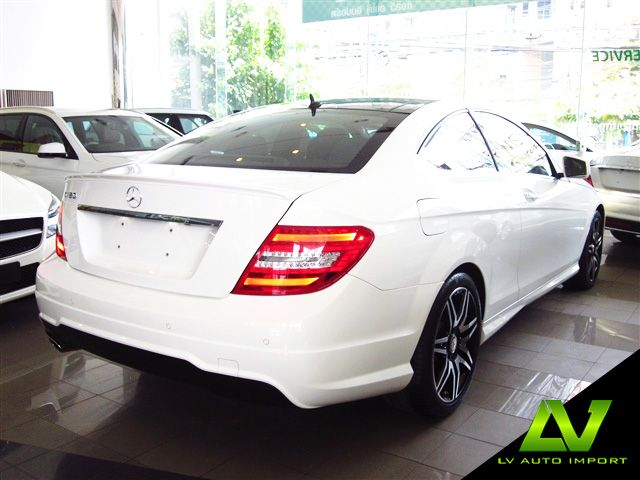 Mercedes Benz C180 CGI 1.6 Coupe AMG Sport Exterior : Diamond White Interior : Black Leather with Red