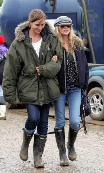 Kate Moss In A Star Print Shirt And Flat Cap At Glastonbury Festival, 2004