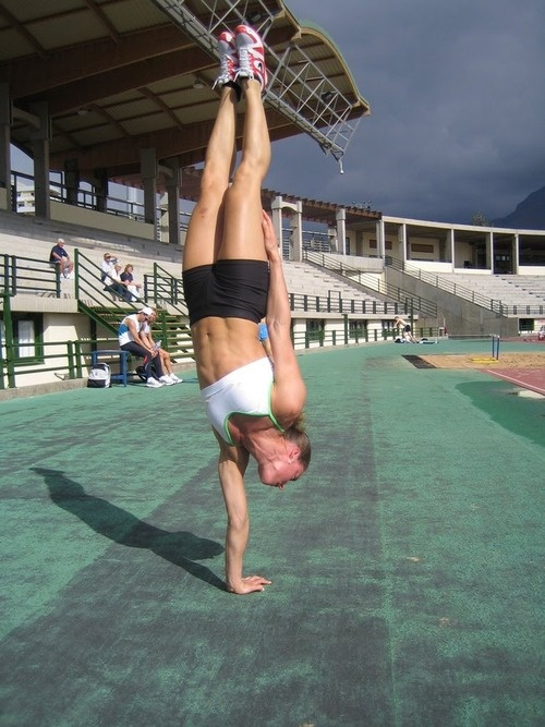 Women of Crossfit, I want o be able to do this!