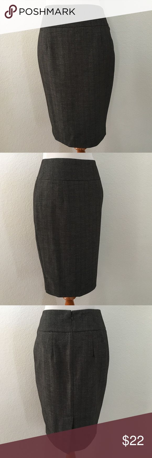🆕 Mossimo | Gray Pencil Skirt Gray pencil skirt has a back slit & is lined. Back zipper & eye clasp. More info to be posted soon. Mossimo Supply Co. Skirts