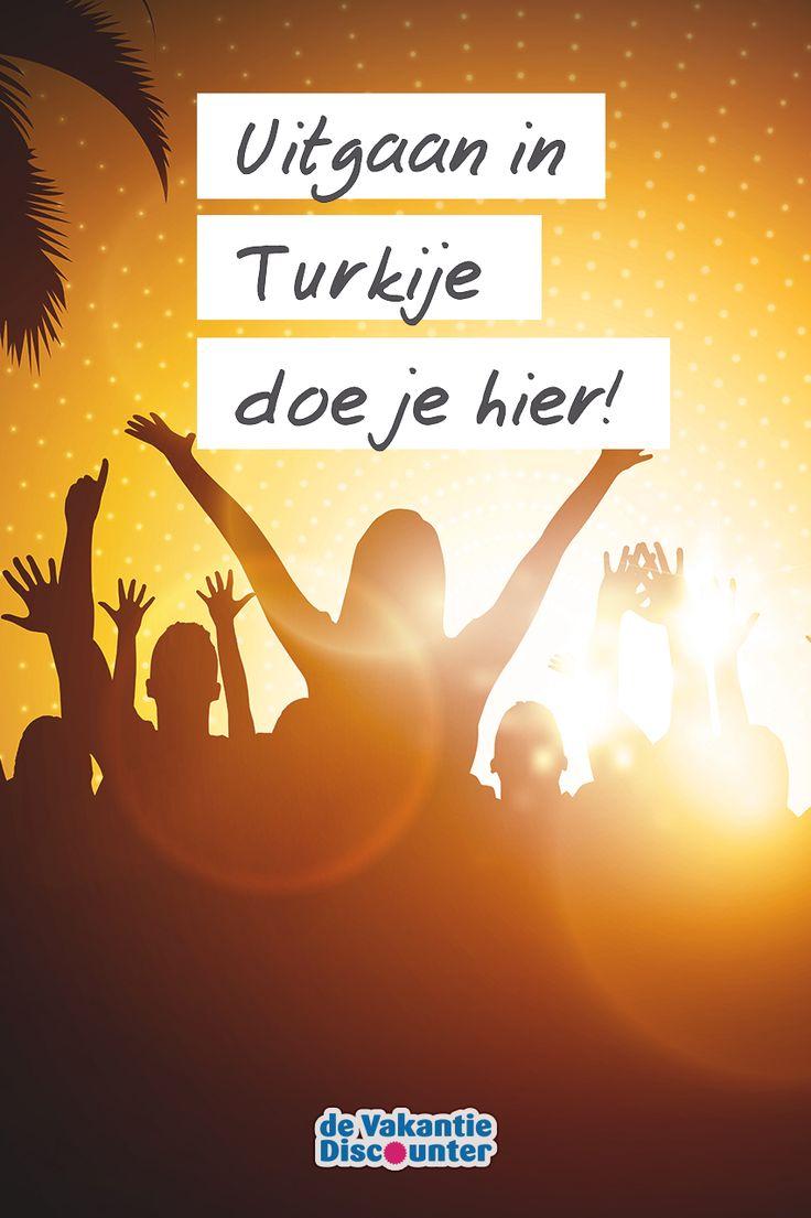 In Turkije is meer te beleven dan slechts een vakantie aan het strand. Het land is de place to be voor een fantastische stapvakantie. In de badplaatsen Marmaris, Alanya en Bodrum ontdek je de leukste discotheken en bars voor een geweldige zomer met vrienden!