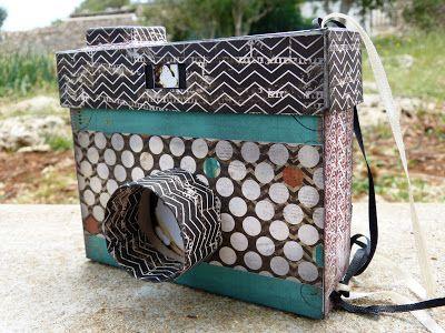 Haz una cámara de fotos de cartón y con un álbum en su interior. ¡Es muy fácil! #Idea #DIY