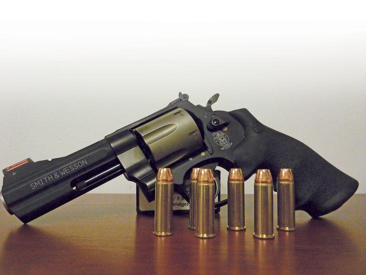 """Max Prasac's """"Smith & Wesson 329 PD"""""""