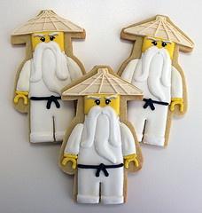 Ninjago Sensei Wu Cookies por sugarmamacookies