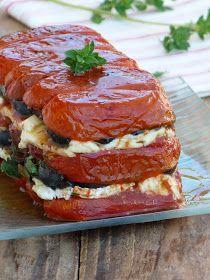 Terrine de tomates au fromage de brebis. Et pourquoi pas des poivrons confits en plus ?