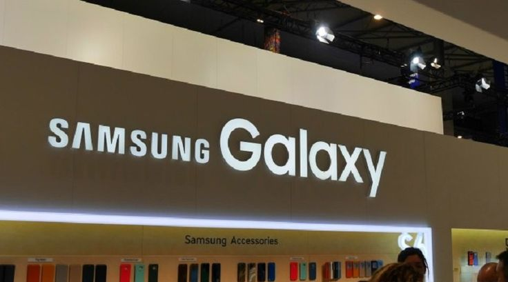 Di sepanjang tahun 2015, mungkin tidak ada polarisasi perangkat mobile yang dilakukan besar-besaran seperti yang dilakukan pada flagship Samsung yang
