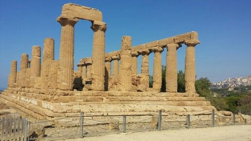 Tempio di Giunone, Valle dei Templi ad Agrigento #tempio #valledeitempli #temple #anticagrecia #ancientgreece #agrigento #sicilia #sicily #italy