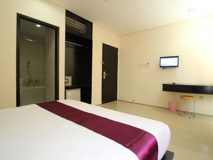 Quite a cozy location for those that spend a short vacations, or even just to wait for the flight schedule, not to far from Kuta though... ;) Dont' forget to follow our Twitter @AvailableCheap or our Facebook Page https://www.facebook.com/pages/Available-Cheap-Rooms/1504066346545729 #kuta #bali #accommodation #availablecheaprooms