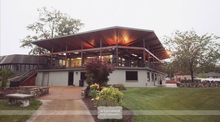 Columbia Country Club Outdoor Covered Veranda, Columbia, MO Country Club Rustic Wedding Photography – Aaron & Susan » Wildflower Wedding Photography