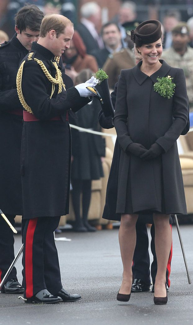 Video: Duchess of Cambridge hands out St Patrick's Day shamrocks to Irish Guards - Telegraph