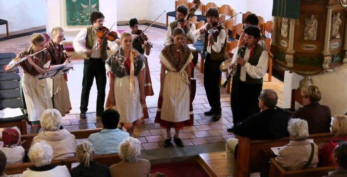Sborník Lidové muziky v Chrástu  >>>