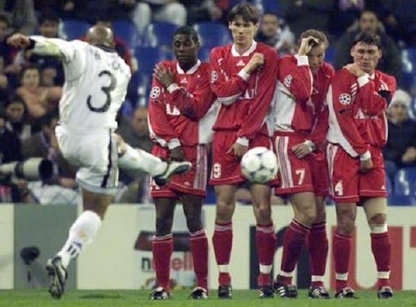 Niesamowite bramki Brazylijskiego obrońcy • Najpiękniejsze gole Roberto Carlosa w całej karierze piłkarskiej • Wejdź i zobacz film >> #carlos #football #soccer #sports #pilkanozna