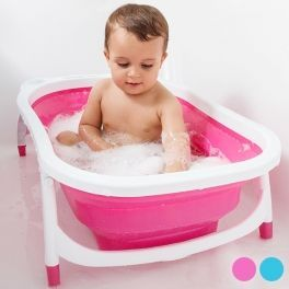 Si dispones de poco espacio en tu hogar y deseas que el momento del baño de tu bebé sea relajante y seguro, no te pierdas la bañera plegable infantil. Esta bañera portátil dispone un tapón de desagüe con sensor de temperatura que pasa de azul a blanco si el agua supera los 37 ºC.