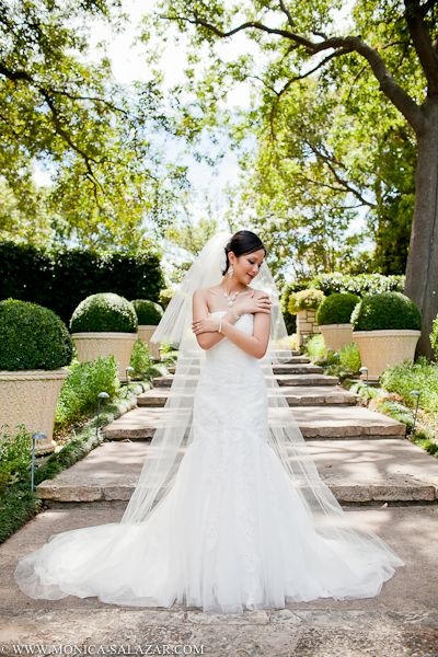 I don't like the brides pose but I do like the bakground