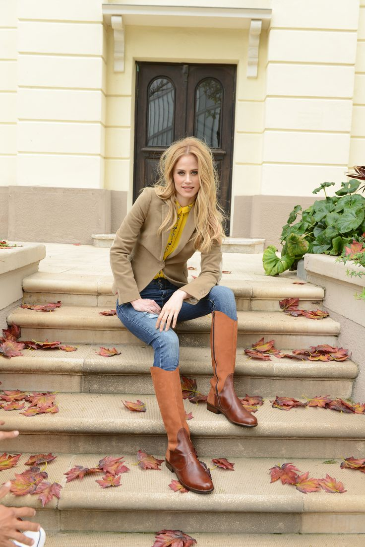NAOT - SHAMAL Hawaiian Brown Combo (Lifestyle Image) #NAOT #footwear #shoes #boots #orthoticfriendly #removableinnersole #autumn #fashion #comfort #bestseller #winter #style #supermodel