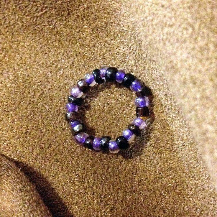 Bead Ring   ~ Simple to make with just a little length of jewellery elastic and 25+beads depending on finger size