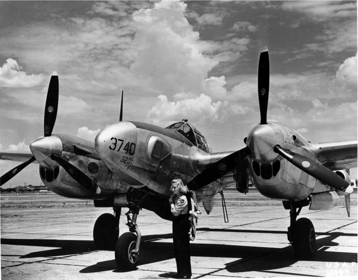 WASP prepares to ferry a P-38