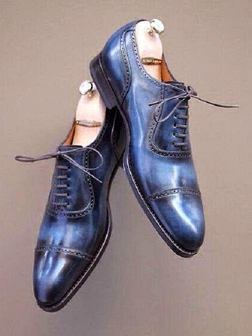 eleganza & stile, per uomini: Belle scarpe blu. Bonitos zapatos azules. Beautiful blue shoes.  #azul #blu #blue #elegance #elegancia #eleganza #menstyle #scarpe #shoes #zapatos