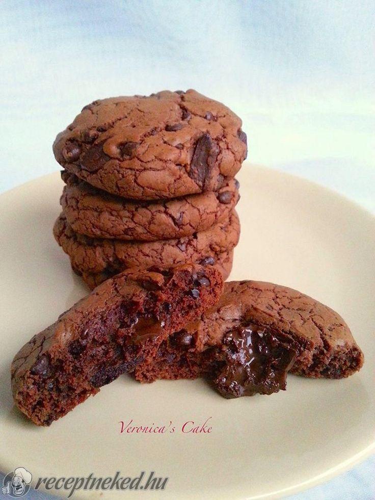 Kipróbált Dupla csokis keksz recept egyenesen a Receptneked.hu gyűjteményéből. Küldte: Magyarné Fekete Veronika
