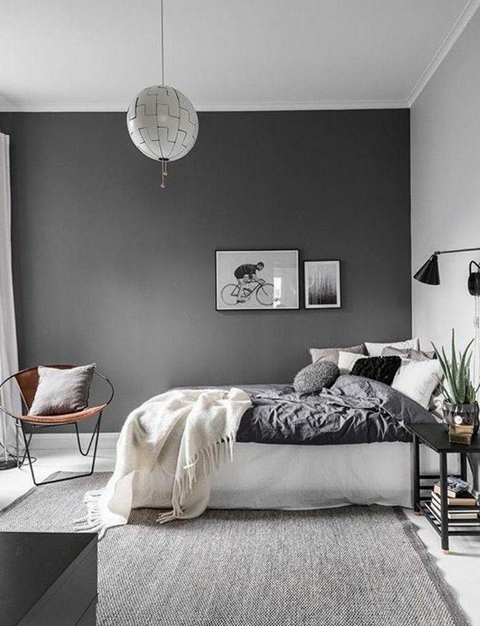 Schlafzimmer Grau   Eine Lampe, Stuhl, Decke, Bilder Aus Ikea Grauer Teppich
