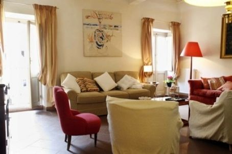 Rome, Italy Vacation Rental, 2 bed, 2 bath, kitchen with WIFI in Colosseo. Thousands of photos and unbiased customer reviews, Enjoy a great Rome apartment rental perfect for your next holiday. Book online!