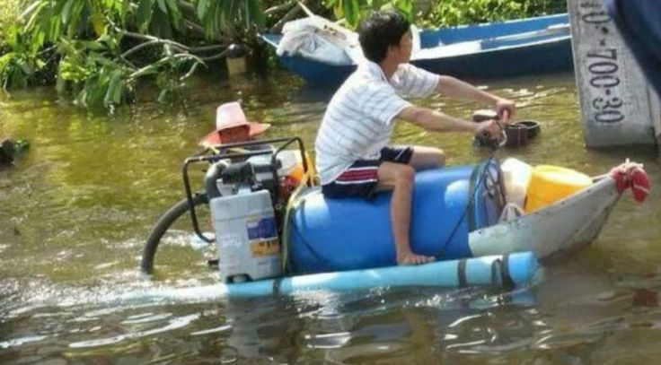Jet ski! Lmfao I guess it worked for what he needed built out a what he had or could find. Goes to show you ,you can do anything you set your mind to if you want it bad enuff.
