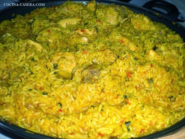 ARROZ CON POLLO Y HABAS. RECETA PASO A PASO http://www.cocina-casera.com/2012/03/arroz-con-pollo-y-habas-receta-paso.html Vía: @cocinacasera1