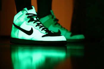 These stupid things are exactly what I'd rock. Glowing dunks.