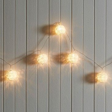 LED LACE BALL STRING LIGHTS 1.8M  - WHITE Morgan & Finch