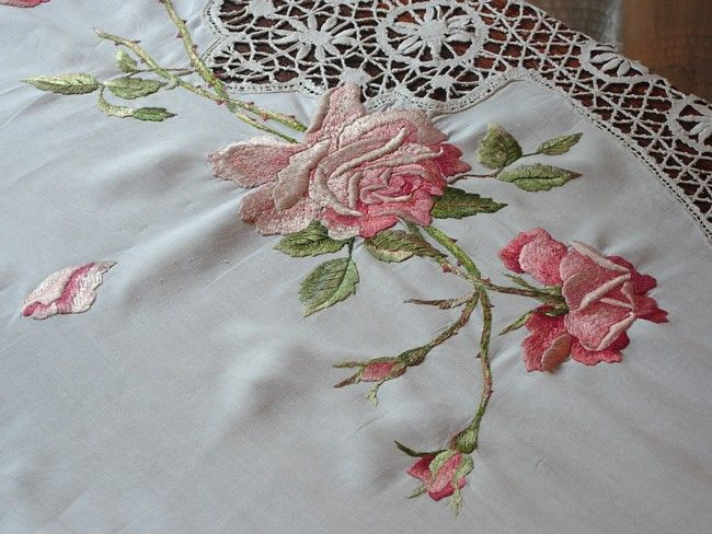 Em's Heart Antique Linens -Antique Society Silk Roses Embroidered Cluny Lace Tablecloth