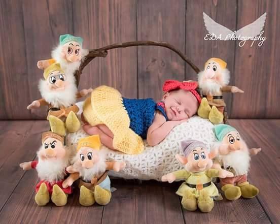 Crochet Snow White Set Photography Prop/ от CuteNCuddlyCrochetTN