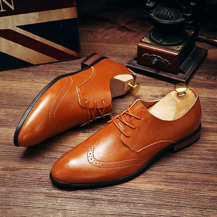 US $29 New Arrival Vintage Men Brogue Shoes Formal Dress Pointed Toe Carved Oxfords Wedding Shoes Black Brown Luxury Style