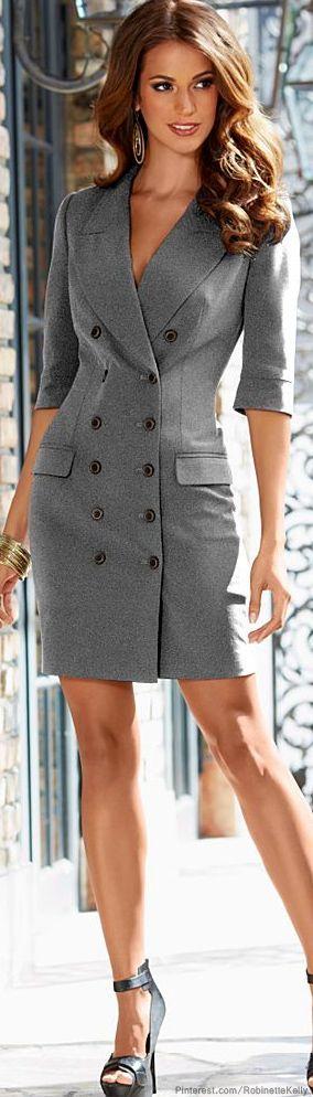 vestido negro con botones cruzados tipo blazer