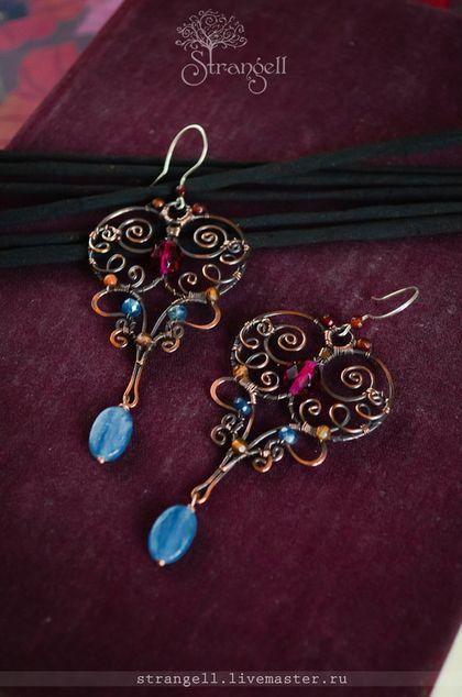 """Медные серьги """"Восточная Ночь"""", кианит, агат. Brass Earring """"Oriental Night"""", kyanite, agate."""
