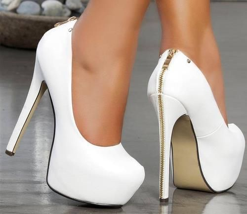 Classic Platform White Pumps With Gold Zipper In The Back