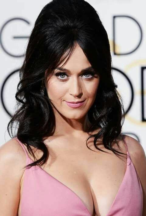 Katy Perry esbanjou no Decote para o GB 2016