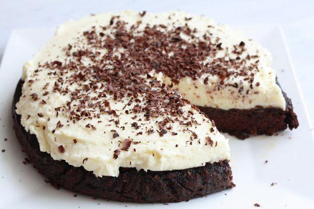 Čokoládový dort s červenou řepou a mascarpone krémem (primal)  http://www.veseleboruvky.cz/2013/05/cokoladovy-dort-s-cervenou-repou.html