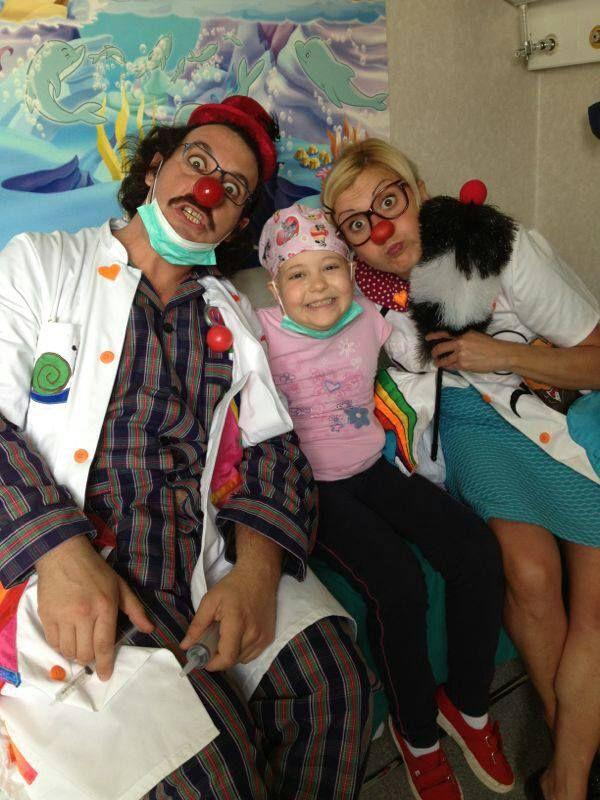 Un abbraccio alla dolcissima Sara Che ci ha Inviato QUESTO bellissimo scatto con il Dottor Strettoscopio e la Dottoressa Peppa all'Ospedale San Gerardo di Monza!  # Smile # FondazioneTheodoraOnlus