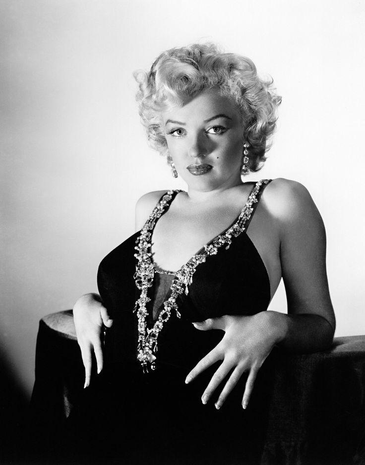 Marilyn Monroe, su cuerpo no encajaría para los estándares de belleza de hoy y sería considerada gorda.