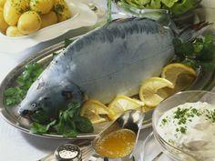 Karpfen blau ist ein Rezept mit frischen Zutaten aus der Kategorie Fisch. Probieren Sie dieses und weitere Rezepte von EAT SMARTER!